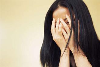 白癫疯能治愈吗,白癜风反复发作的原因是什么